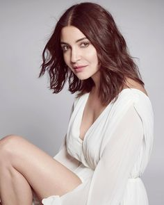 Exclusive Sexy Pictures, Snaps and Images of Bollywood Celebrities and Heroines. Images of South Indian Actresses and North Indian Actresses Anushka Sharma Movies, Anushka Sharma Bikini, Anushka Sharma Images, Indian Bollywood Actress, Bollywood Fashion, Indian Actresses, Indian Celebrities, Bollywood Celebrities, Hair And Beauty