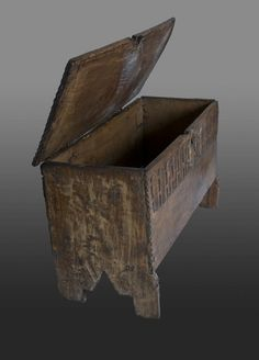 Late Elizabethan elm boarded chest - Marhamchurch Antiques