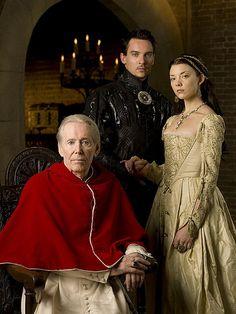 Peter O'Toole as the Pope, Jonathan Rhys Meyers as Henry VIII,  Natalie Dormer as Anne Boleyn, in THE TUDORS - Season 2
