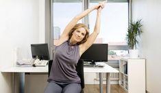 Stress pur! Man kann keinen klaren Gedanken mehr fassen und dann auch noch Nackenschmerzen. Da hilft nur eins: Ein paar Yoga-Übungen, die ihr direkt vor Ort im Büro macht...