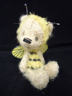 tiny bee bear 90.00