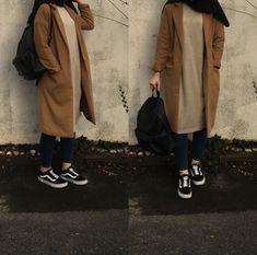 Modern Hijab Fashion, Abaya Fashion, Muslim Fashion, Modest Fashion, Fashion Outfits, Casual Hijab Outfit, Hijab Chic, Vans Style Women, Hijab Style Tutorial
