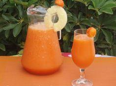 Alcalinizante, depurativo y diurético:     Una taza de piña en cubos     Una taza de zanahoria rallada     Una taza de agua bien fría     El zumo de dos naranjas     Dos cucharadas de semillas de chía (que además reduce el colesterol.