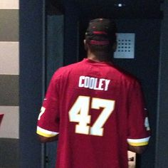 #Redskins fan Kevin Durant welcomes back tight end Chris Cooley to his favorite team. Read more here: redsk.in/TEi6B6