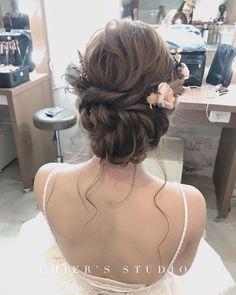 | 婚紗拍攝造型 | 仙氣盤髮造型 - #新娘秘書 #新娘 #新娘造型 #新娘化妝 #wedding #weddingmakeup #makeup #eyemakeup #chierstudio #彩妝 #造型 #bridals #girl #兒兒 #chier #婚紗 #自%E Lace Wedding, Wedding Dresses, Hair Beauty, Makeup, Fashion, Bride Gowns, Wedding Gowns, Make Up, Moda