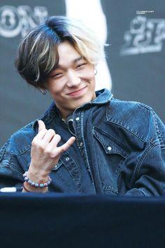 Wow half and half K Pop, Ringa Linga, Rapper, Kim Jinhwan, Park Jinyoung, Ikon Debut, Hip Hop, Kpop Guys, Fandom