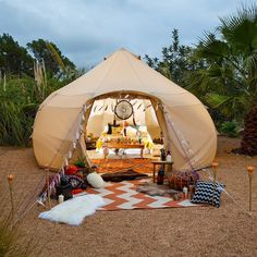 luxury bell tents Glamping and camping accessories in USA. Waterproof canvas bell tent available in different colors & shape. High-quality family tents of different sizes. Camping & Glamping made easy. Camping Vans, Bell Tent Camping, Camping Glamping, Backyard Camping, Tent Camping Beds, Solar Camping, Camping Storage, Funny Camping, Boutique Camping