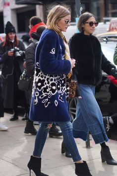 New fashion street style coat olivia palermo ideas Street Style 2017, Street Chic, Looks Style, Street Style Looks, Mode Outfits, Chic Outfits, Night Outfits, New York Fashion Week 2017, Pantalon Cargo