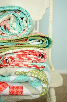 quilts: love the turquoise, lime, and coral colors....so fresh!