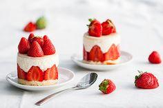 Minis fraisiers Mon défi du jour était de faire des fraisiers, je n'en avais jamais fait avant et j'avoue que j'avais un peu peur de me lancer, j'ai d'ailleurs eu quelques petits soucis pendant la préparation mais FINALEMENT, je suis plutôt...