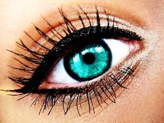 So Pretty!-- i would love this color contact