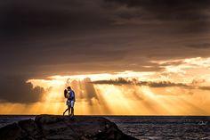 pré wedding na praia da armação do pantano do sul nascer do sol em floripa