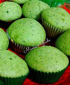 (Moringa Oleifera Flavored Cupcakes) Ingredients: 1 cup all purpose flour 1 tsp baking powder tsp fine salt cup unsalted butter 1 cup white sugar 2 eggs 2 tsp vanilla extract cu… Cupcake Flavors, Cupcake Recipes, My Recipes, Flavored Cupcakes, Dessert Recipes, Cooking Recipes, Muffin Recipes, Bread Recipes, Recipies