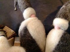 Set di due Babbo Natale in lana cardata Bergschaf e di FatediLana, €34.00