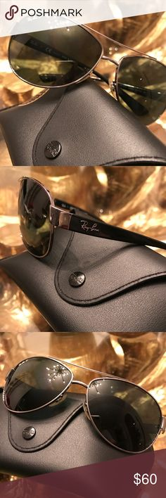 Ray-Ban aviators Been worn, but in excellent condition. No scratches. Case included. Ray-Ban Other