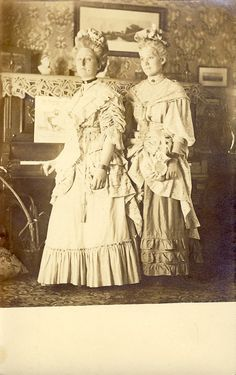 VICTORIAN DRESS and HAIR on these 2 Women in a Parlor Scene Photo Postcard Circa 1908
