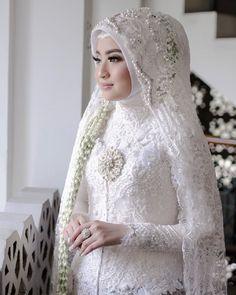 Makeup News, Akad Nikah, Kebaya, Jakarta, High Neck Dress, Bride, Wedding Dresses, Fashion, Turtleneck Dress
