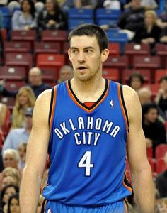 Nick Collison re-signs for 1 final season with the Thunder.