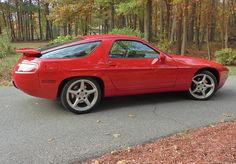 928 GT with aero mirrors, painted spoiler and Carrera III wheels