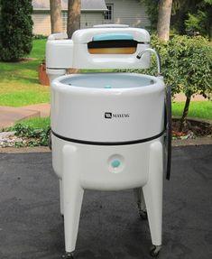 1940's maytag wringer washing machine | Super Clean 1940's Maytag wringer on ebay. Hope I'll look that good at ...