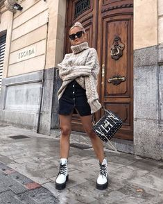 After the longest trip to New York with multiple delays which leaded to a cancelled flight to finally making it in at just to go… Winter Fashion Outfits, Look Fashion, Trendy Outfits, Fall Outfits, Cute Outfits, Womens Fashion, White Dr Martens, Dr Martens Outfit, Doc Martens Style
