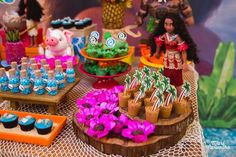 Birthday Board Ideas First 49 Ideas Moana Party Decorations, Birthday Party Table Decorations, Backyard Birthday Parties, Birthday Party Tables, Birthday Board, Birthday Greetings For Aunt, 3 Year Old Birthday Cake, Birthday Cake For Husband, Moana Birthday Party Theme