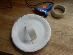 Make a shield from paper plates