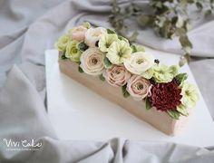 Centerpiece buttercream flowercake Made by_Vivi . . . Vivi cake www.vivi-cake.com . . . #플라워케이크 #버터크림플라워케이크 #비비케이크 #flowercake #koreanflowercake #korea #seoul #dessert #koreastyleflowercake #buttercreamflowercake #koreaflowercake #vivicake #wilton #cake #baking #cakedecoration #design #花 #蛋糕 #掺糖奶油 #奶油 #奶皮 #花蛋糕 #家用模具 #비비케이크 vivicakeclass@gmail.com