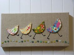 Bird art using fabric scraps, embroidery floss, and buttons. Fabric Art, Fabric Crafts, Paper Crafts, Burlap Fabric, Fabric Birds, Button Art, Button Crafts, Art Projects, Sewing Projects