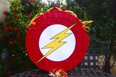 piñatas de superheroes flash
