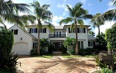 ANOTHER BERMUDA STYLE ISLAND STLYE HOUSE