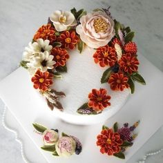I just love this technique/style Gorgeous Cakes, Pretty Cakes, Amazing Cakes, Korean Buttercream Flower, Buttercream Flower Cake, Cupcakes, Cupcake Cakes, Bolo Floral, Floral Cake
