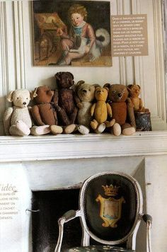 Antique Bears on Whitewashed Mantel. Pinned by oldattic, Ty.