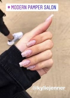 Nails / Acrylic nails / False nails / Kylie Jenner nails / Luxury nails / Nail design / Rhinestone nails / Square long nails