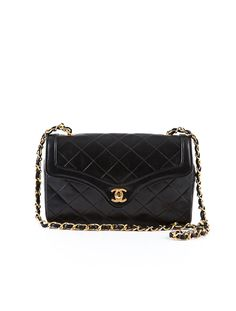 eaa61926263 Classic Chanel Quilted Chained Bag. My favorite bag of all time. Classic  Chic
