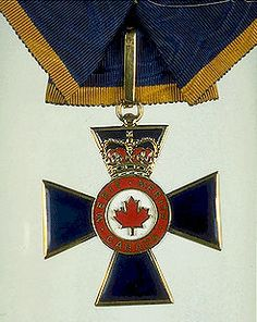 Canadian Order of Military Merit Military Ranks, Military Orders, Military Insignia, Canadian Army, Canadian History, Commonwealth, Uniform Insignia, Order Of Canada, Canadian Things