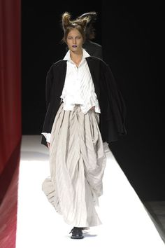 Yohji Yamamoto at Paris Fashion Week Spring 2012 - StyleBistro