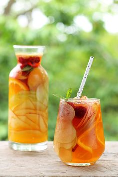 This sangria is made with hard apple cider, which means you can save your wine to make other sangrias.Get the recipe for Hard Apple Cider Sangria Fall Cocktails, Fall Drinks, Summer Drinks, Cocktail Drinks, Thanksgiving Cocktails, Fruit Drinks, Fruit Juice, Pineapple Juice, Ginger Ale