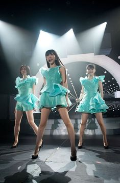 the intangible tone of multiplatinum, j-pop girl group, perfume Perfume Live, Rose Perfume, Hermes Perfume, Asian Woman, Asian Girl, Diy Perfume Recipes, Perfume Jpop, Japanese Girl Group, Lady