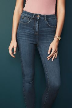 Buy Dark Blue Hypercurve Skinny Jeans from the Next UK online shop Petite Fashion, Curvy Fashion, Style Fashion, Fall Fashion Trends, Autumn Fashion, Fashion Bloggers, Hourglass Fashion, Dark Skinny Jeans, Curve Jeans