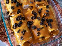 Simple Veggie Enchiladas with a Cashew Cheeze Sauce Vegan Mexican Recipes, Delicious Vegan Recipes, Vegetarian Recipes, Yummy Food, Cashew Sauce, Cashew Cheese, Cheese Sauce, Veggie Enchiladas, Vegan Casserole