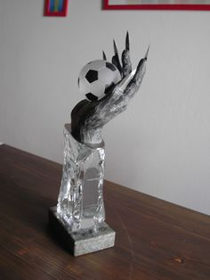 Wanderpokal Fussball Perchtenturnier Bookends, Home Decor, Upcycled Crafts, Wood Steel, Home Decor Accessories, Football Soccer, Sculptures, Stones, Homemade Home Decor
