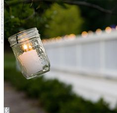 This would be the cutest backyard idea! The socializing that could happen in a cozy backyard on those beautiful summer nights with great company. Firefly Mason Jars, Mason Jar Candles, Mason Jar Lighting, Votive Candles, Backyard Solar Lights, Backyard Lighting, Hanging Jars, Large Mason Jars, Solar Light Crafts
