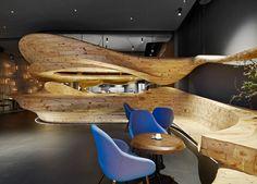 Estruturas orgânicas de madeira no projeto do restaurante RAW, em Taiwan, projeto de Weijenberg