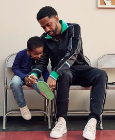 Big Sean Reminded Us That Black Men Suffer From Depression Too Black Man Haircut Fade, Black Men Haircuts, American Proverbs, Boys Don't Cry, Big Sean, African American History, Baby Fever, Depression, Celebs