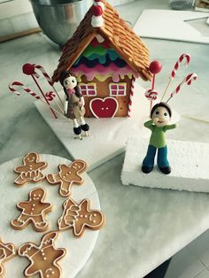 Hansel Gretel and witch's sugar house for cake