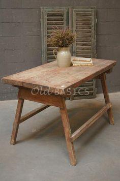 Slagerstafel 20069 authentieke houten slagerstafel met stevige vierkante poten de tafel heeft - Tafel josephine wereldje van het huis ...