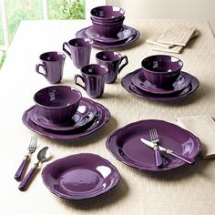 Embossed Dinnerware Set not sure about the color. it might be too frufru and less modern Purple Dinnerware, Dinnerware Sets, Stoneware Dinnerware, China Dinnerware, Vase Deco, Color Lila, Purple Kitchen, Indoor Outdoor Furniture, All Things Purple