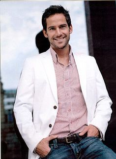 Janez Vermeiren, hottie TV host from South Africa. He has an accent that will melt icebergs! South African Celebrities, Good Looking Men, Just For Fun, Model Agency, A Boutique, Cl, Female Models, Beautiful Men, Hot Guys