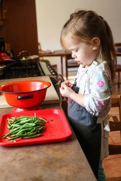 Kids in the Kitchen: How to tend to a kitchen burn #tips #safety
